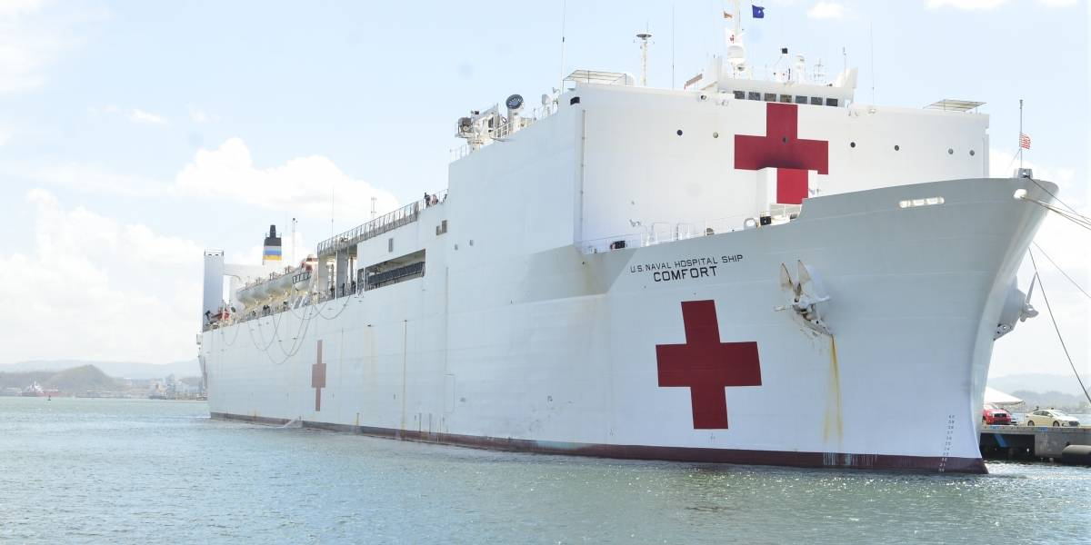Frustrados personal de barco hospital porque los pacientes no llegan