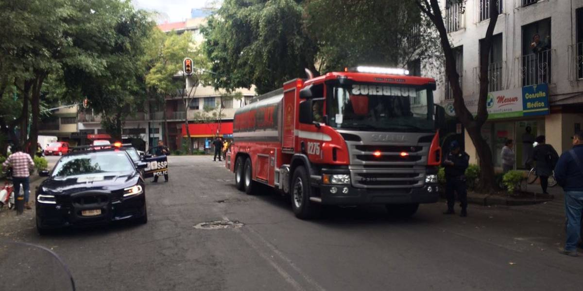 Bomberos de la CDMX reportan incendios en la Hipódromo Condesa y en Chapultepec