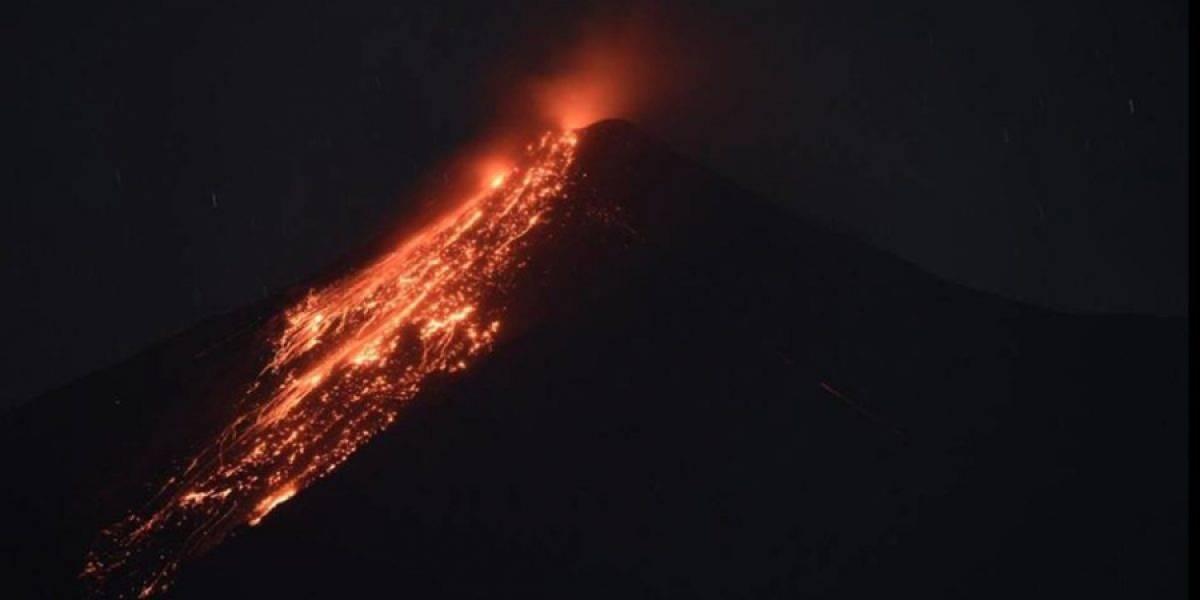 Reportan caída de ceniza por erupciones del volcán de Fuego