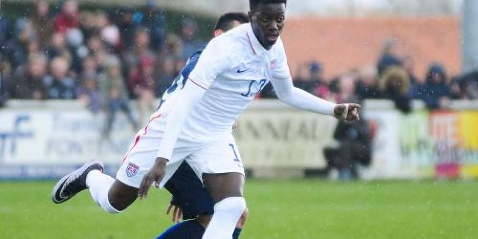 Timothy Weah representa a Estados Unidos. Este delantero pertenece al PSG y es hijo del liberiano George Weah, ganador del Balón de Oro en 1995.