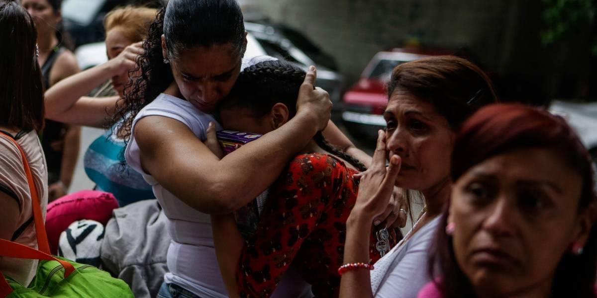 Venezolanos de bajos recursos migran por tierra con la vida en 25 kilogramos