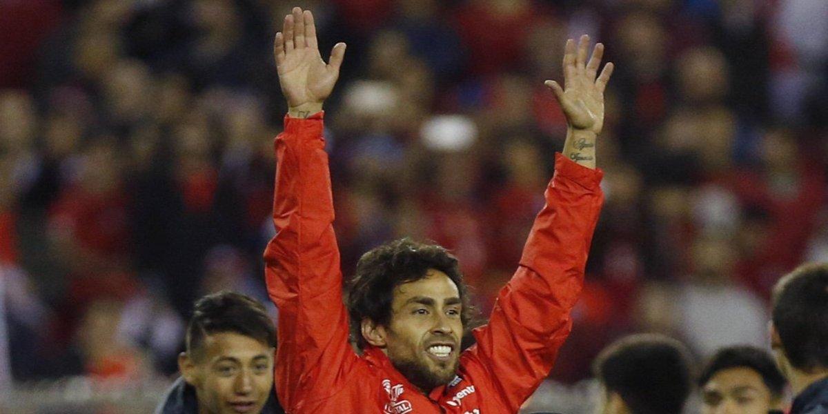 Jorge Valdivia mostró todos sus trucos para ser el gran mago de la Roja que dio un paso Mundial
