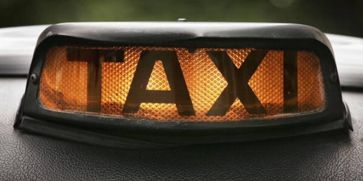 Video: taxista denuncia que guarda de tránsito 'desapareció' con sus papeles