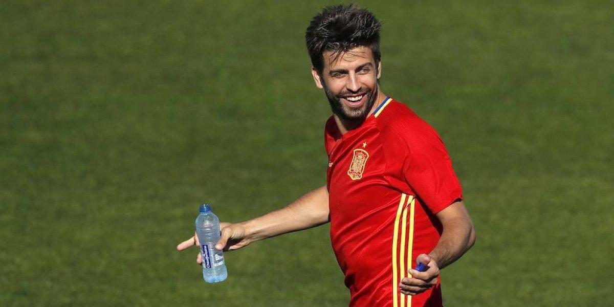 Piqué recibe insultos y aplausos en Alicante