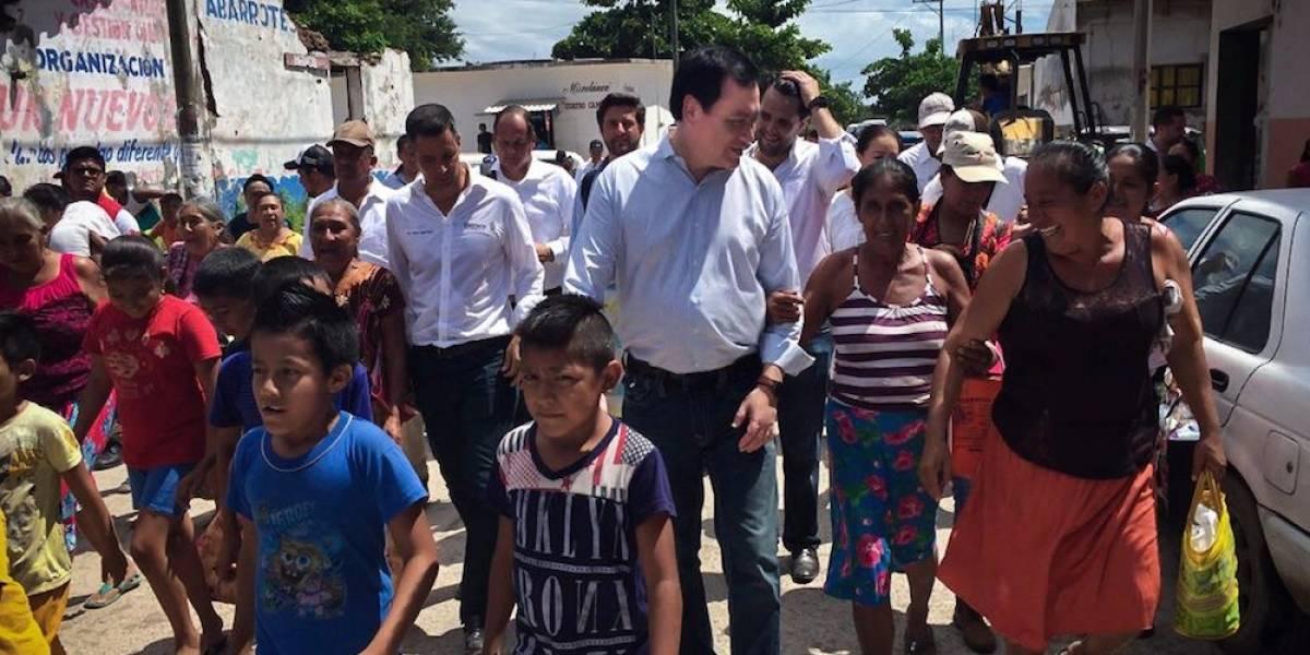 Osorio Chong hace entrega de recursos para hornos de totopos en Oaxaca