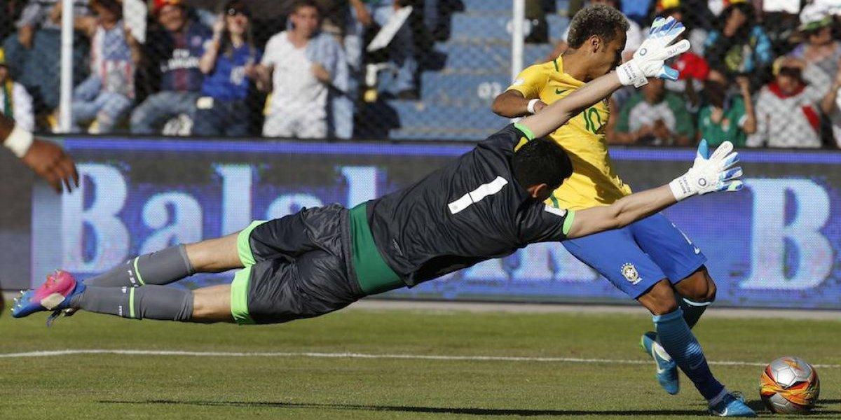 Portero Carlos Lampe fue la figura del Bolivia-Brasil