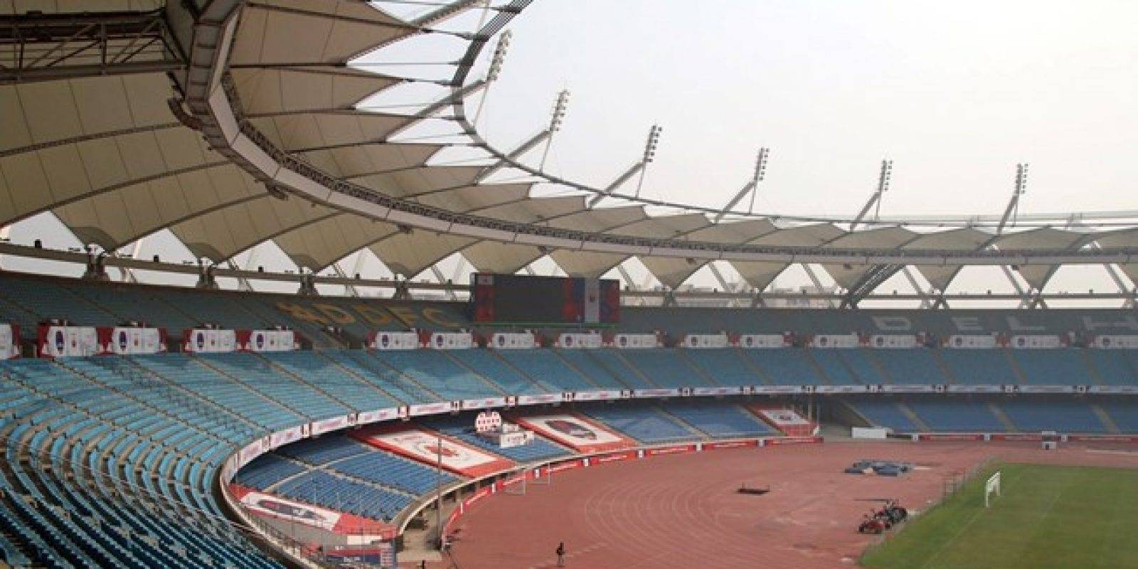 Jawaharlal Nehru Stadium (Nueva Dehli): Estadio construido en 1982 y remodelado en 2010 para que tenga una capacidad de 58 mil asistentes, siendo el quinto estadio multipropósito más grande de India. Además de encuentros de fútbol, tiene una pista atlética y también recibe conciertos.