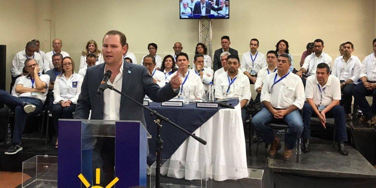 Diputado Álvaro Arzú dice que su papá es el mejor líder que ha tenido el país