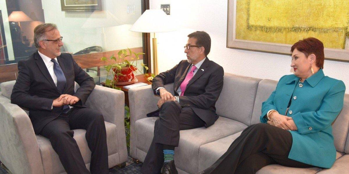 Embajador de EE.UU. respalda la lucha contra la corrupción