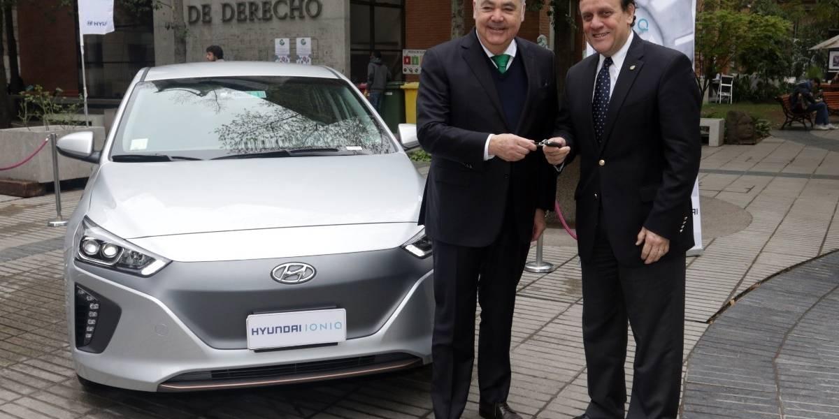 Hyundai y la UC firman convenio para impulsar las tecnologías cero emisión