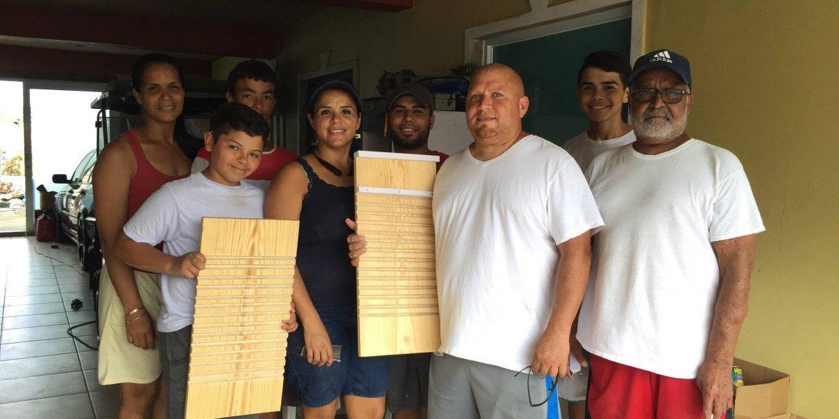 Familia en Caguas hace su agosto con tablas para lavar ropa