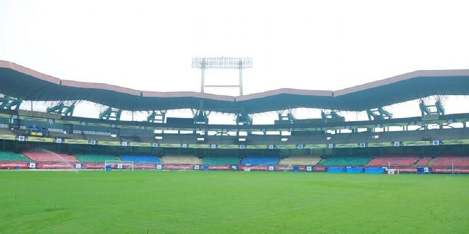 Jawaharlal Nehru International Stadium (Cochín): Otro de los estadios que rinde tributo al primer Primer Ministro de India. Construido en 1996, tiene una capacidad para 55 mil espectadores y su construcción lo hace ser uno de los recintos donde más se escucha el sonido ambiente.