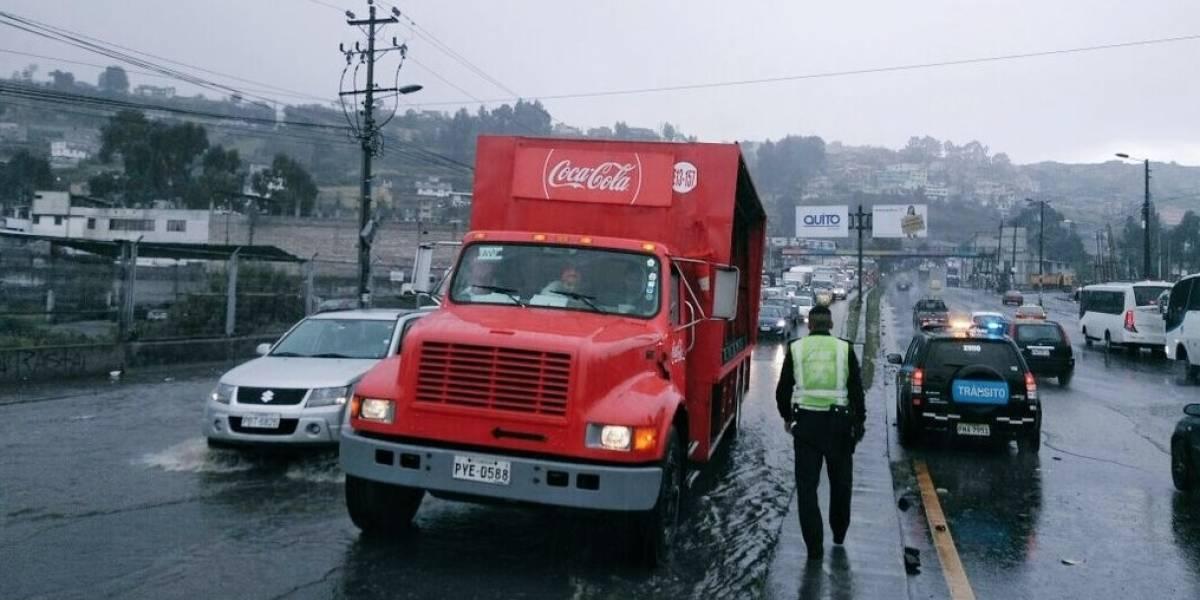 Incidentes de tránsito durante lluvia en Quito