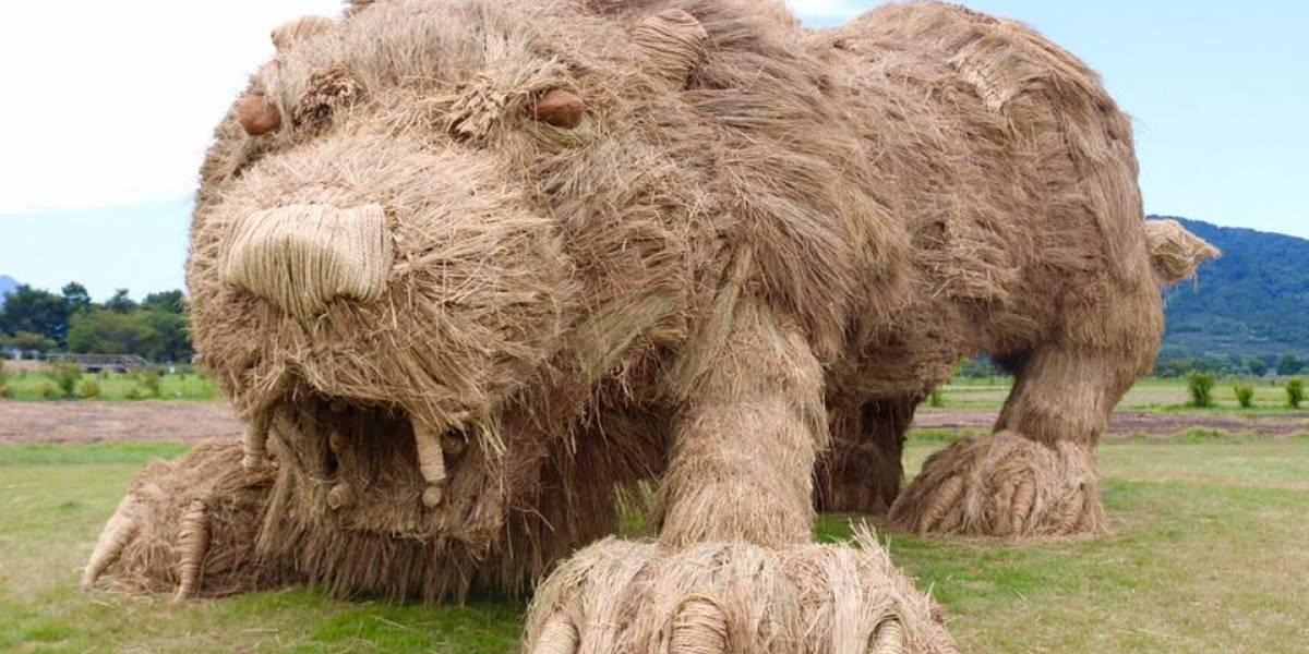 Animales gigantescos de paja: así celebran el fin de la cosecha de arroz en Japón