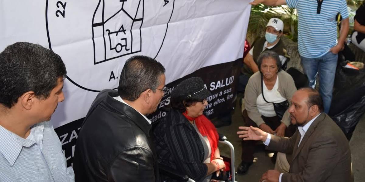 Protestan lesionados por las explosiones del 22 de abril en la CEDHJ