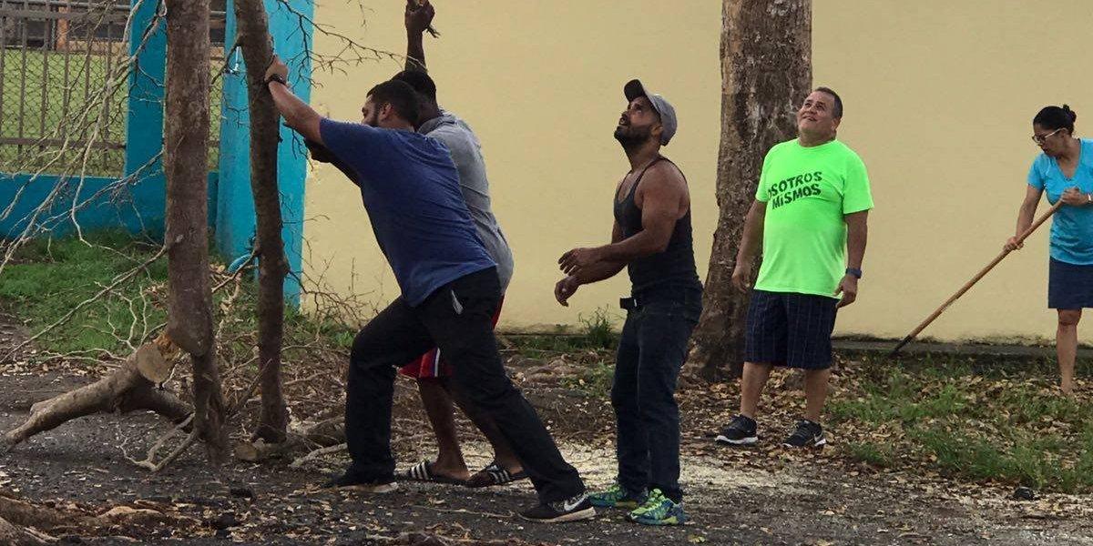 Renuevan escuela en Carolina tras daños por huracán María