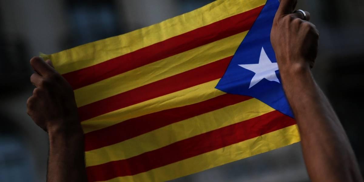 La independencia catalana se complica: Madrid pide disculpas pero aumenta la presión contra la región