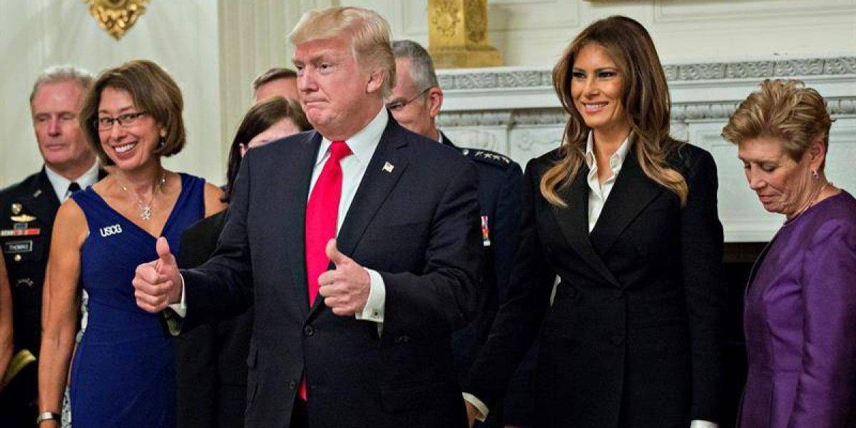 """""""La calma antes de la tormenta"""": el críptico mensaje de Trump en cena con militares que dejó intrigado a EEUU"""