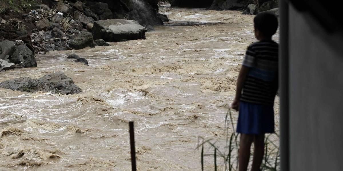 Suben a 10 los muertos y 25 los desaparecidos por tormenta Nate en Costa Rica