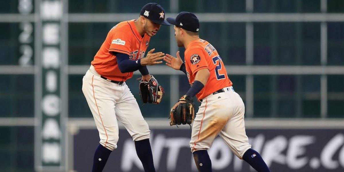 Correa y Altuve dan a Astros ventaja de 2-0 sobre Boston
