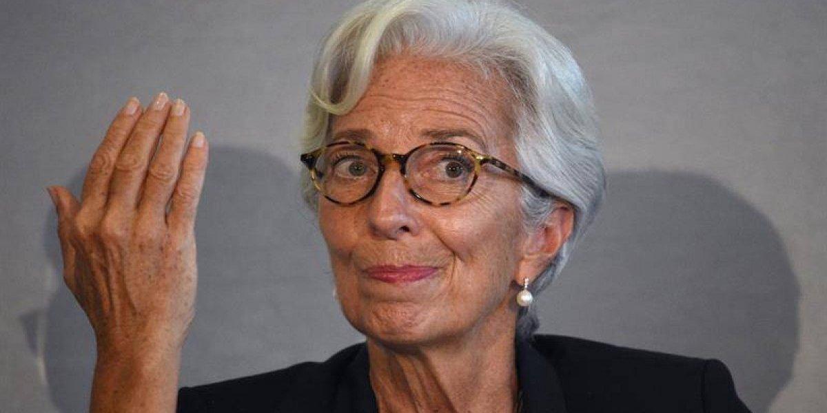 """FMI dice que la recuperación económica mundial """"está echando raíces"""""""
