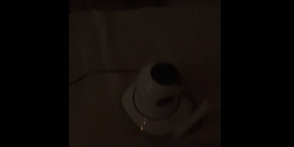 Video: Cámara 'cobró vida' y le habló a su dueña
