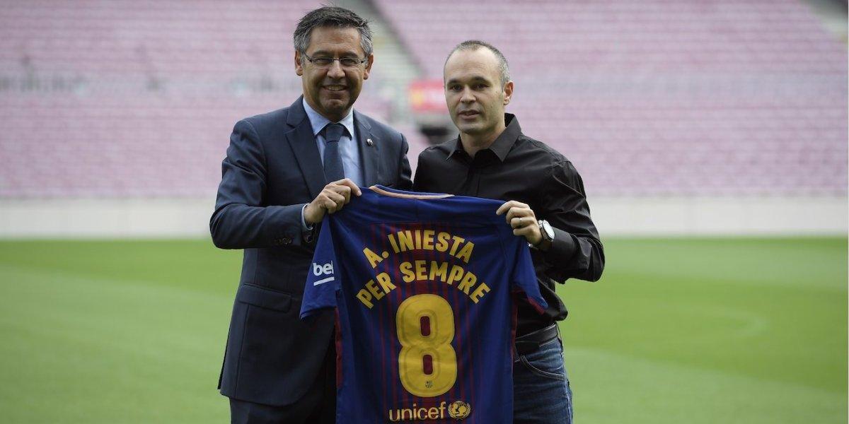 Andrés Iniesta renueva de por vida y se convierte en leyenda en el Barcelona
