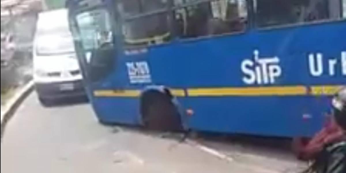 Bus del Sitp pierde una de sus llantas en pleno movimiento