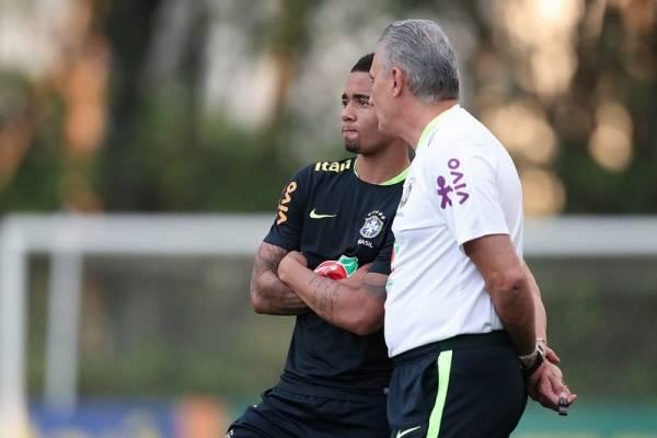 Brasil ya avecina el partido con Chile / imagen: CBF