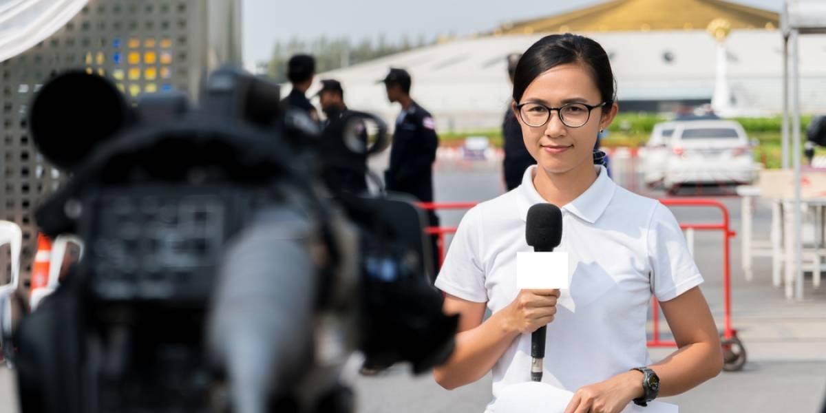 Reportera muere tras trabajar 159 horas extras en un mes