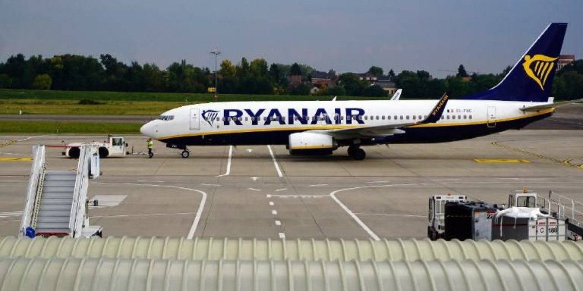 Ryanair quiere subirle el sueldo a pilotos para que se queden y evitar seguir cancelando vuelos