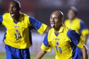 Freddy Grisales celebrando su gol en el 2-0 de Colombia sobre Perú en Lima rumbo a Alemania 2006 / Foto: AFP