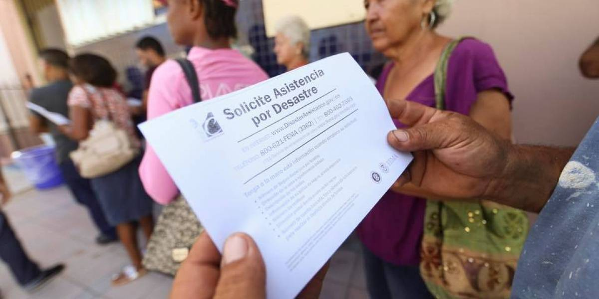 Más de siete mil personas llenaron solicitudes de FEMA en el Capitolio