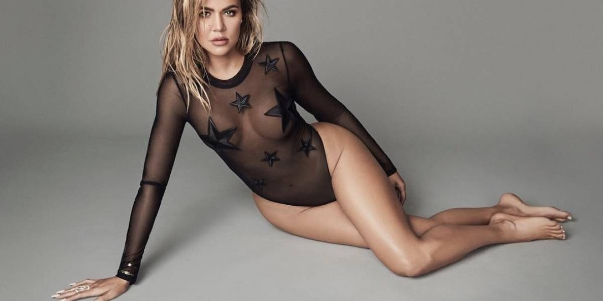 "Khloé Kardashian posa ""embarazada"" con un sensual vestido"