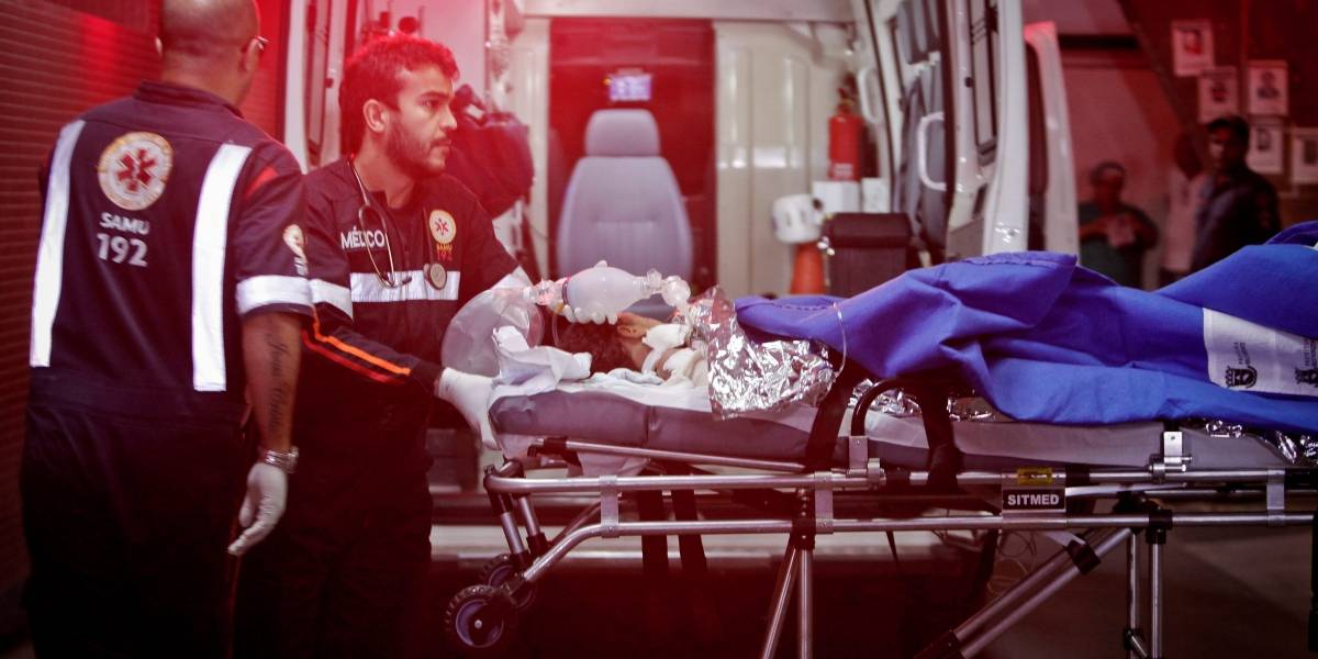 Funcionária de creche incendiada por vigia morre após um mês internada