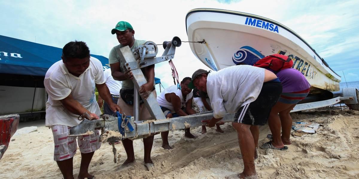Emiten alerta naranja de alejamiento de huracán 'Nate' en Quintana Roo