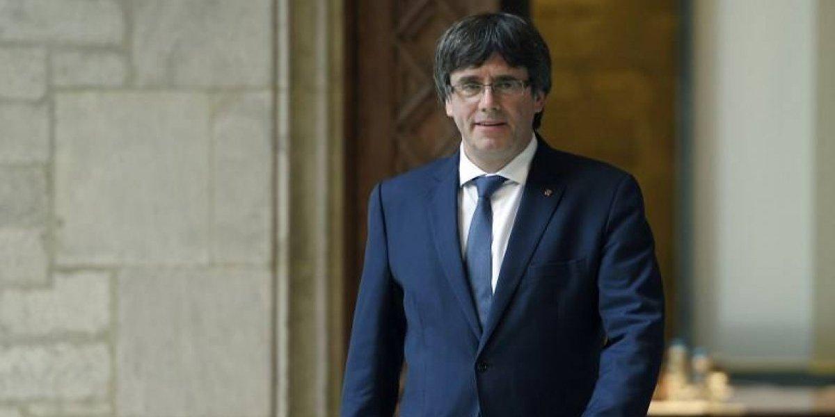 Presidente de Cataluña dice que aplicará la ley que prevé la declaración de independencia