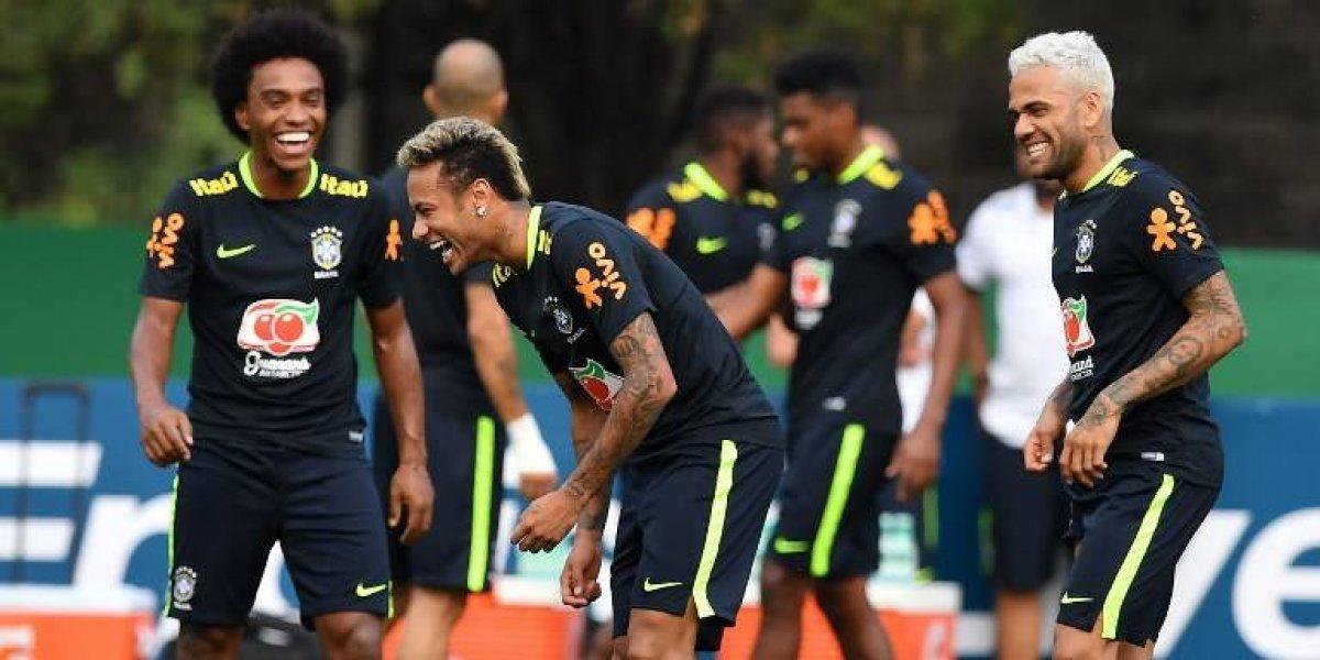 Brasil no juega al misterio y define formación estelar para enfrentar a Chile