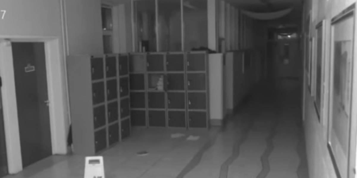 Cámaras de seguridad graban a supuesto fantasma en una escuela