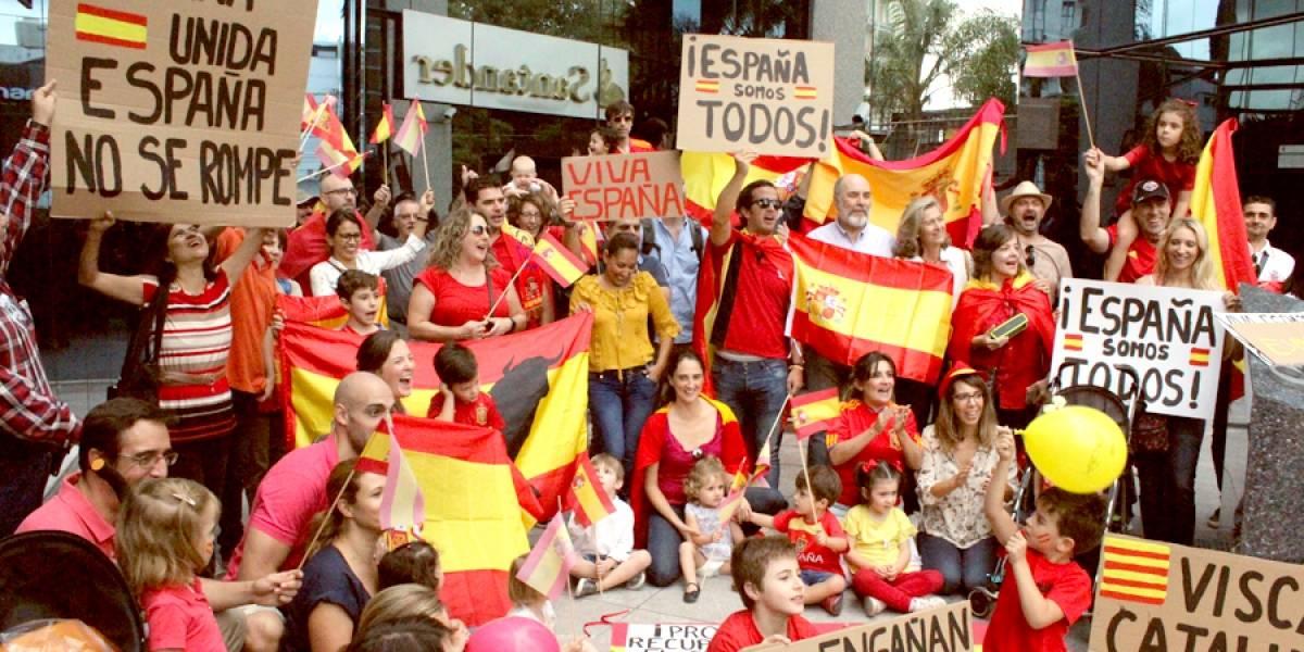 Españoles se manifiestan en consulado de Guadalajara