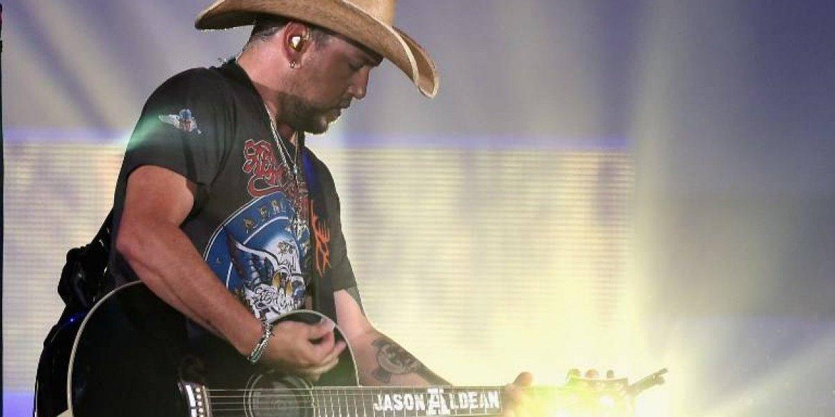Cantante country presente en masacre de Las Vegas vuelve al escenario