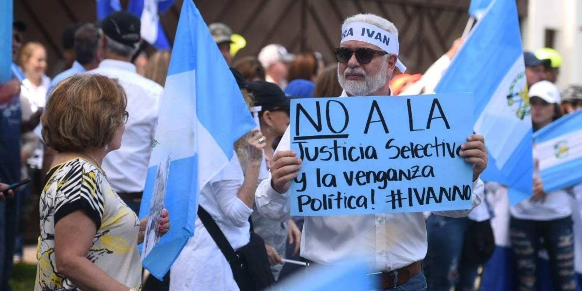 Realizan plantón frente a sede de CICIG pidiendo salida de Iván Velásquez