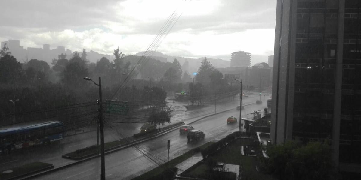Lluvia con granizo se registró en Quito