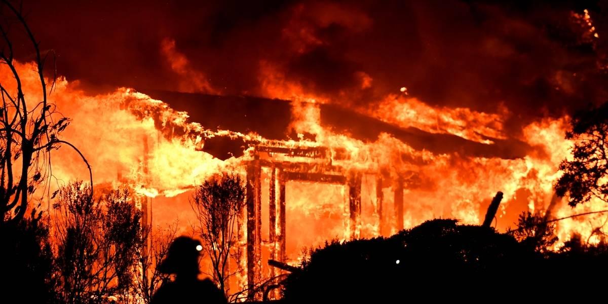 Incendio consume el norte de California: Al menos 10 muertos, 1500 edificios destruidos y cientos de evacuados