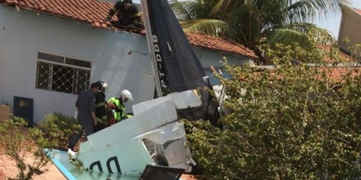 Monomotor cai sobre casa no interior de São Paulo