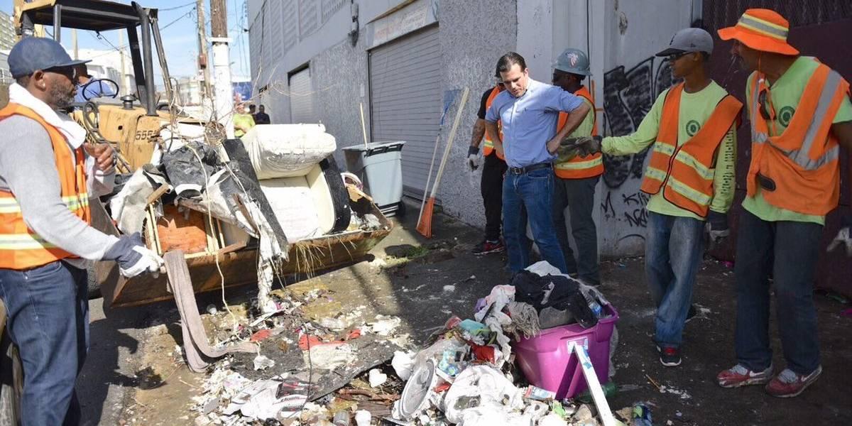 Rosselló vuelve a la barriada Figueroa en Santurce