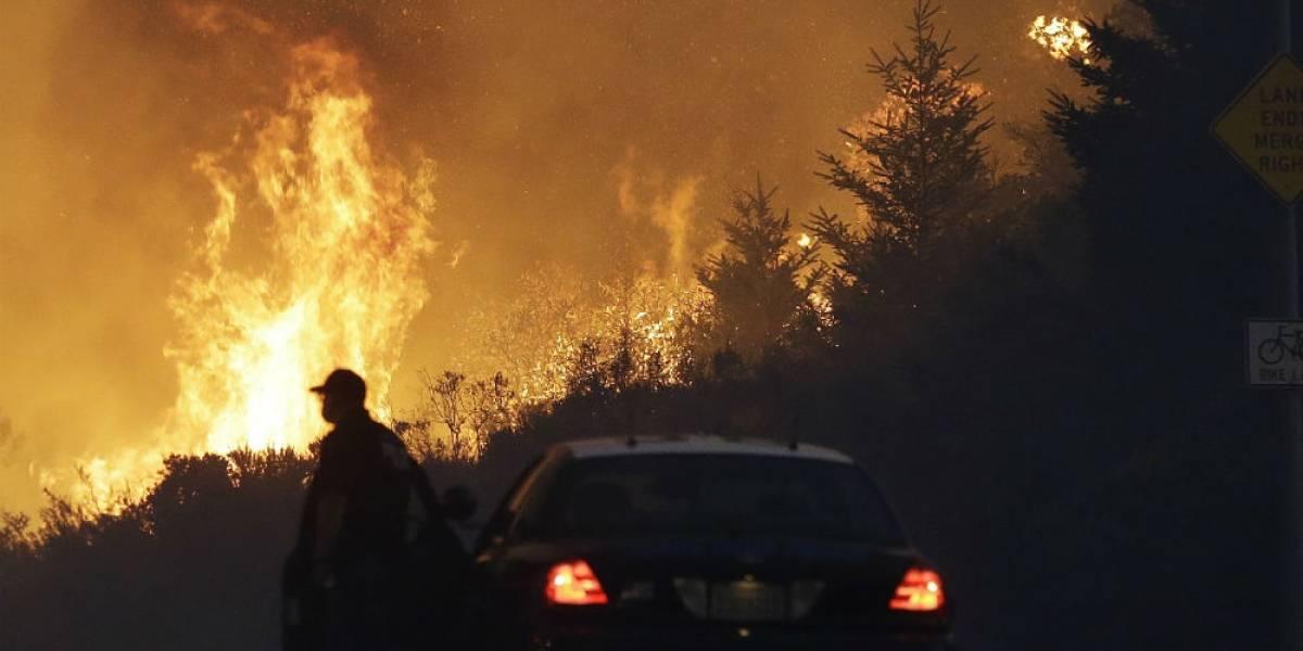 Diez muertos y dos heridos dejan incendios en California