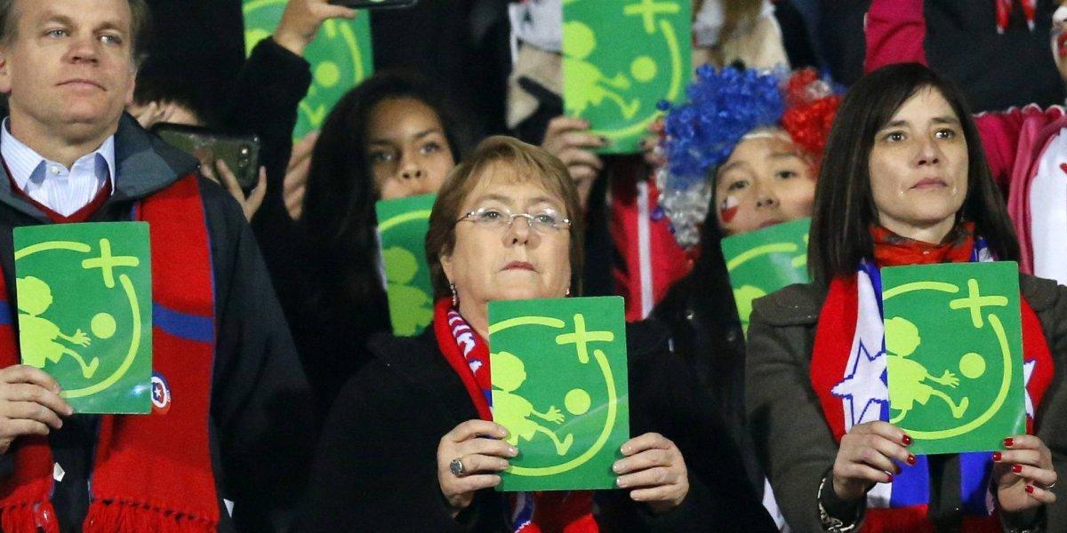 La Roja invitó a la Presidenta Michelle Bachelet al crucial duelo contra Brasil