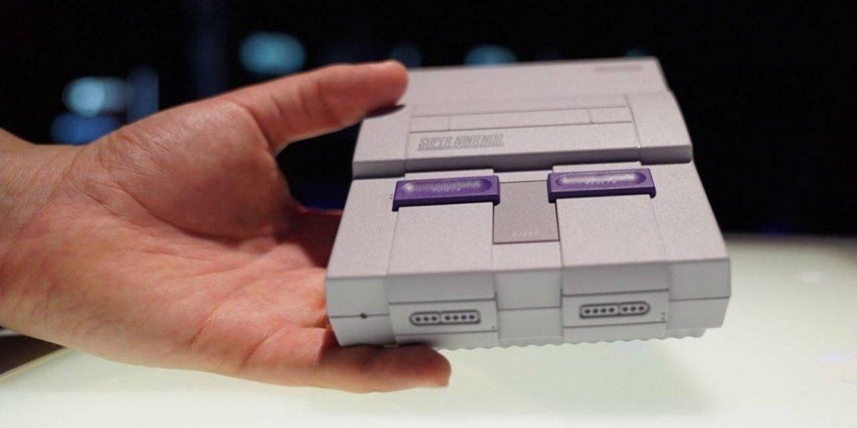 Revisamos la consola retro de Nintendo: Así es la Snes Mini
