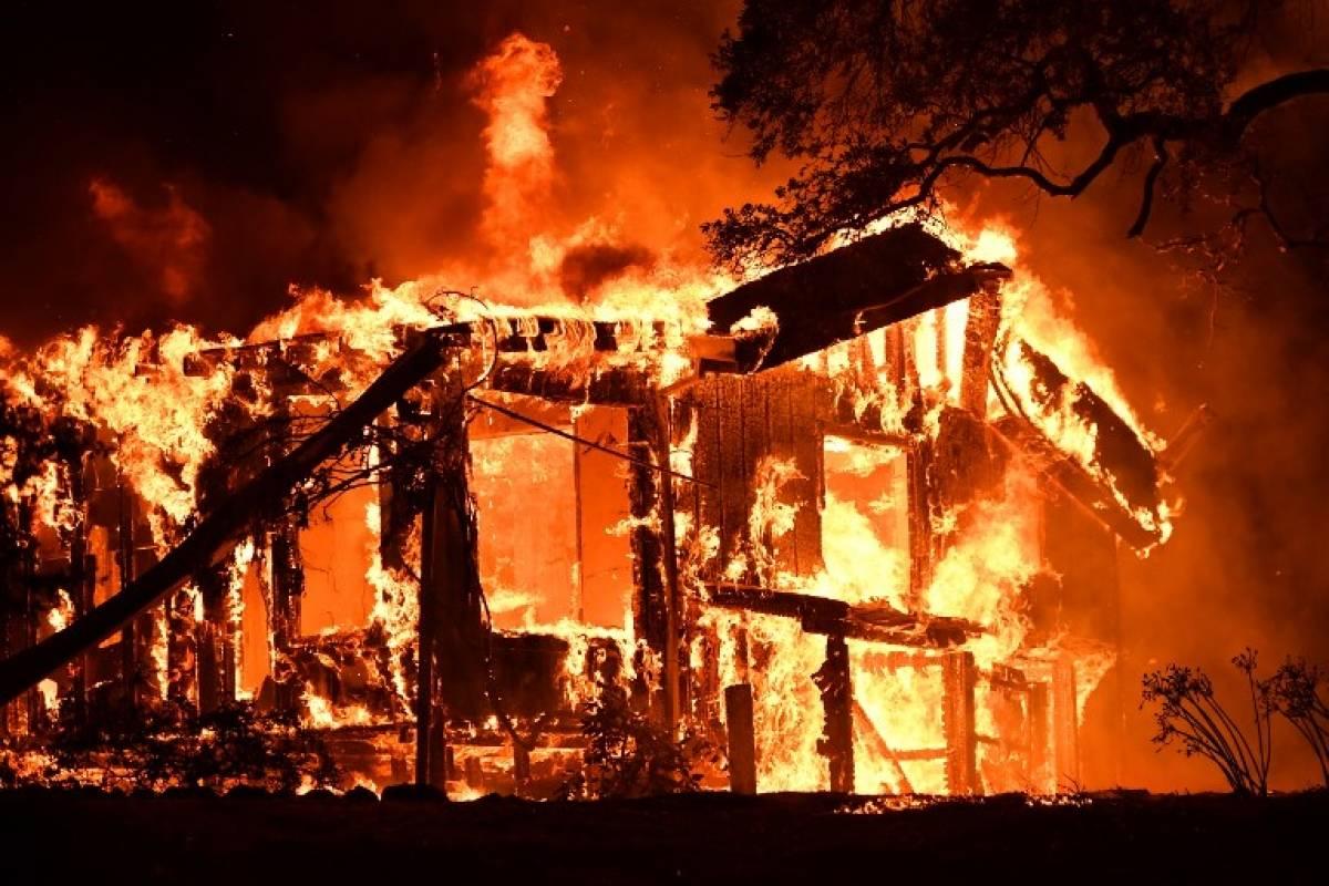 Los incendios ya han arrasado con 78 mil hectáreas AFP
